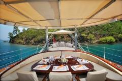 sailing-yacht-regina-aft-dining