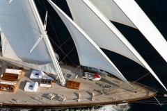 sailing-yacht-regina-foredeck-under-sail