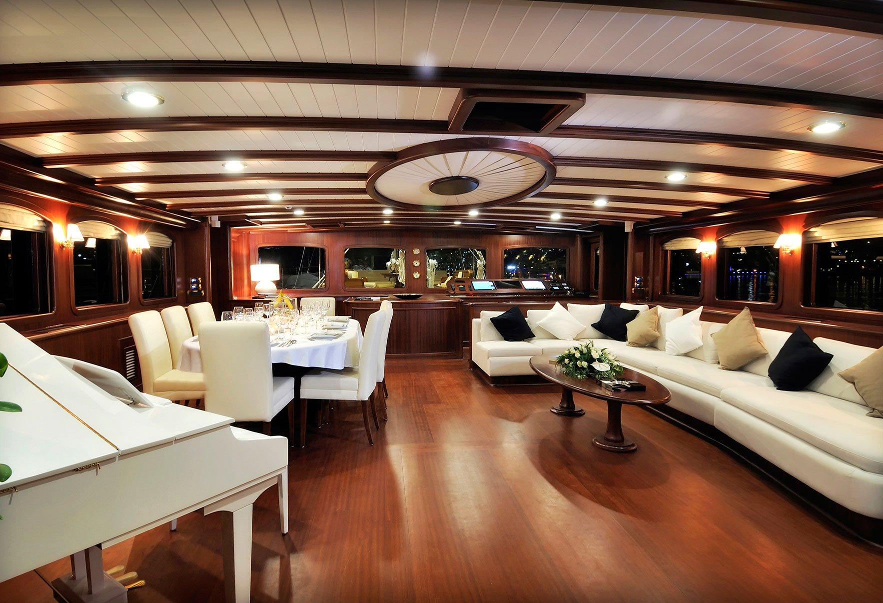 sailing-yacht-regina-saloon - The Business Mogul Lifestyle